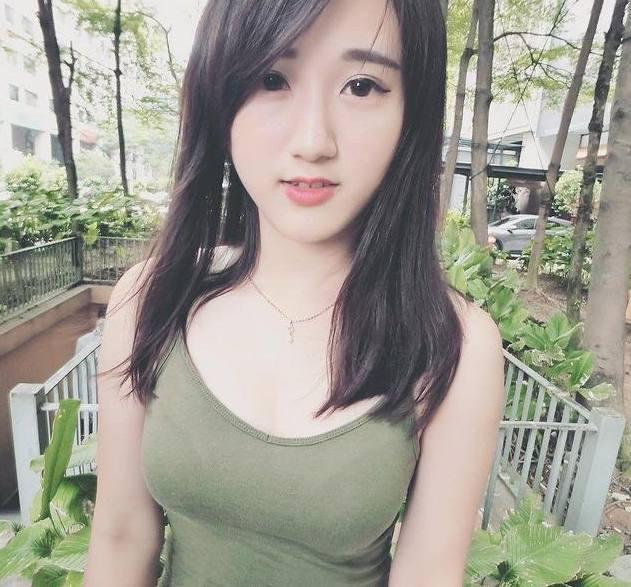 我异地恋的大学女朋友今天给我发的照片我很担心她