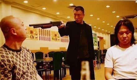 娱乐圈电影拍戏拿枪最帅的人物,张国荣只排第画男教程漫画男人图片