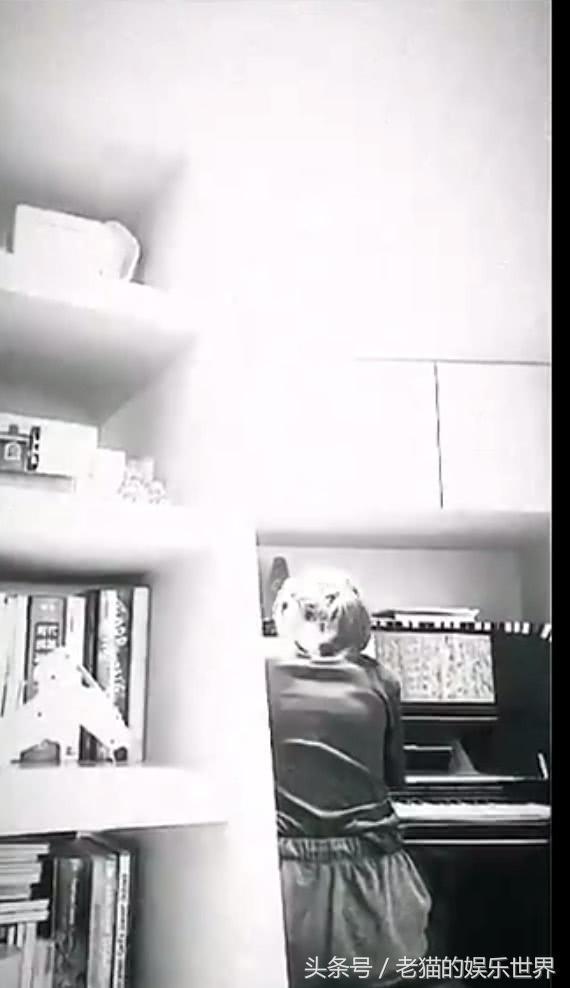陈奕迅14岁女儿首度弹琴曝光视频,v女儿音乐天地面电视频率图片