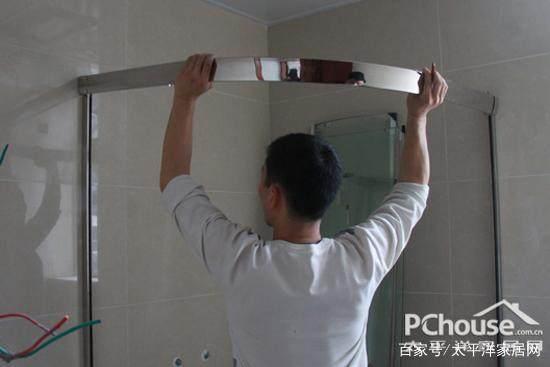 淋浴房玻璃频频自爆太危险!除了贴上防爆膜,我们还能做些什么?