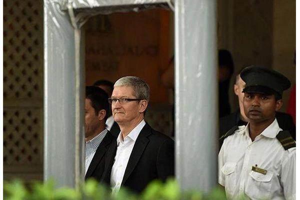 苹果终究罡不过小米!库克宣布解雇印度负责