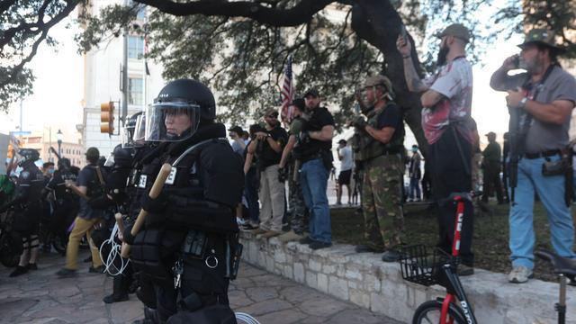 """小小布什发出严重警告:抗议者别想闹事,包括""""叛军""""和黑人武装"""