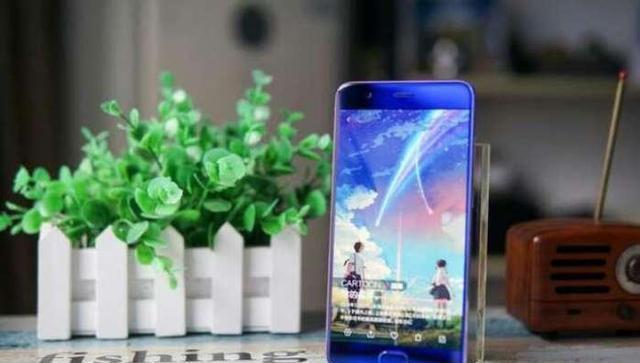iphone7成手机最高性价比双雄,手机苹果硬怂捡到一个华为小米能找到吗图片