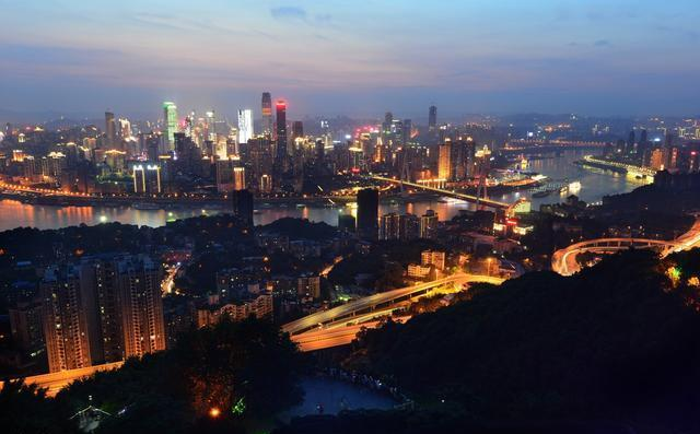 人口达3000万是中国最多的一个城市,上海北京