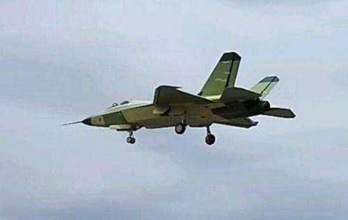 FC31战机能成歼20最得力助手 持续改进后或装备上千架比歼20还多