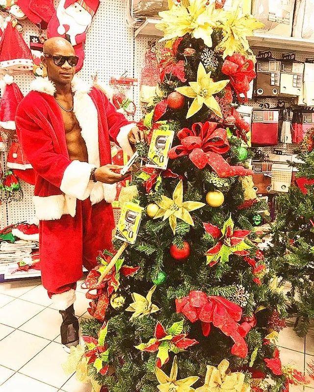 """鲍威尔扮圣诞老人明年冲击百米""""世界纪"""