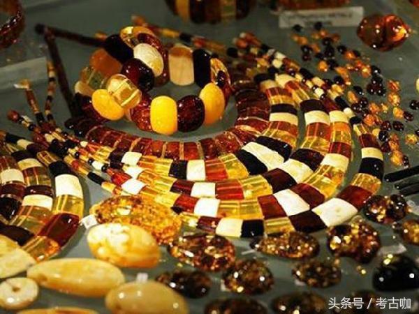 蜜蜡到底是什么做的,什么样的蜜蜡值钱,你买的蜜蜡是真的吗?