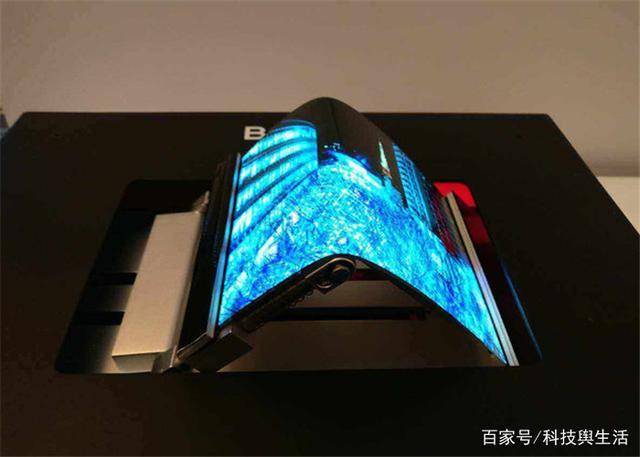 华为新机曝光:折叠屏+9000mAh+1024G,苹果三