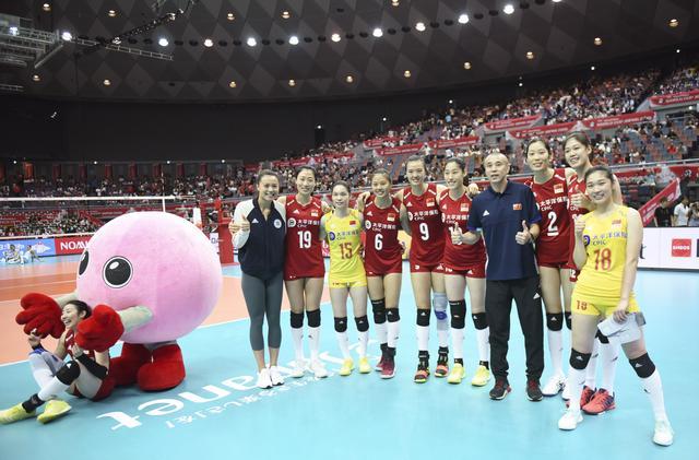 排球——女排世界杯:中国队十一连胜 成功卫冕