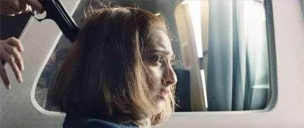 年仅23岁的空姐,凭超常人的智慧及勇气拯救了359条性命!