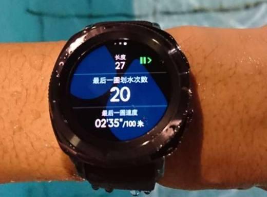 三星Gear sport智能运动手表,让你游泳商务两不误