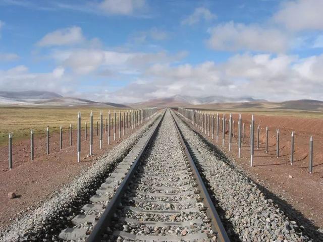 关于青藏铁路的资料 青藏铁路的机构设置