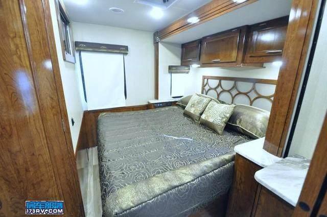 移动的奢华别墅―Coachmen Pursuit 房车