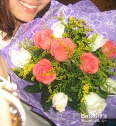 5朵玫瑰 男人送女人19朵红玫瑰
