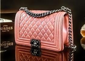 18亿奢侈品涉假案 万元奢侈品成本仅两三百元