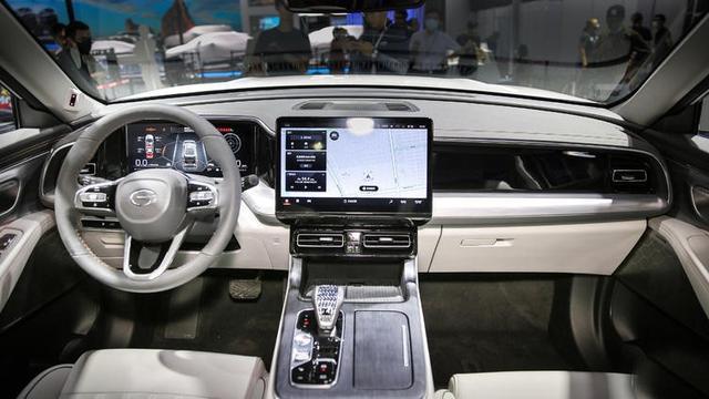 是时候放弃汉兰达了!全新传祺GS8亮相,还有汉兰达同款混动系统-有驾