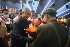 标题:不能忘却的纪念:惠州抗美援朝老兵观看电影《长津湖》